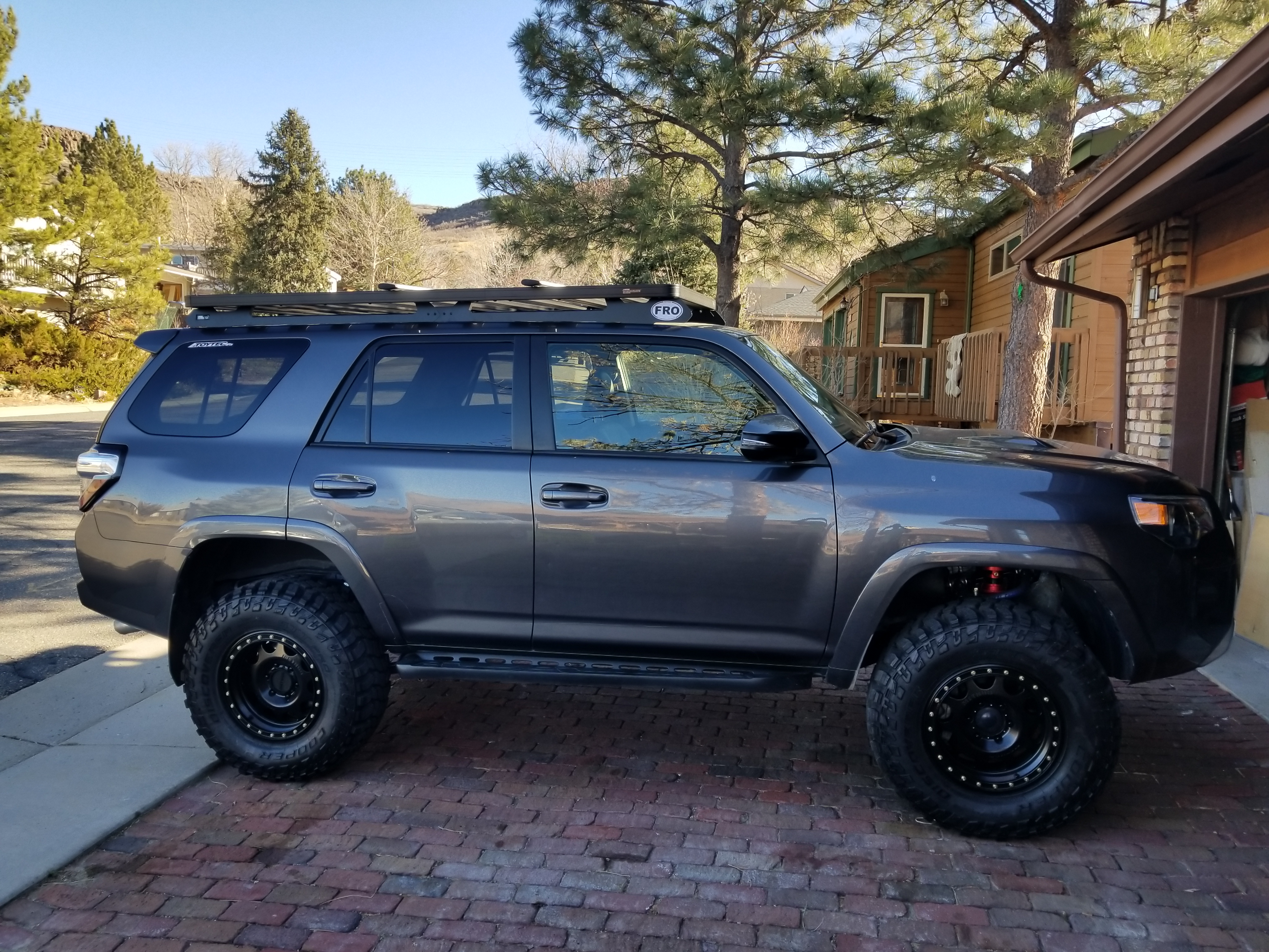 About This 2014 4 Runner Trail Edition Premium