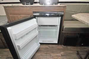 2018_flagstaff_t21tbhwse_4-cu-ft-fridge