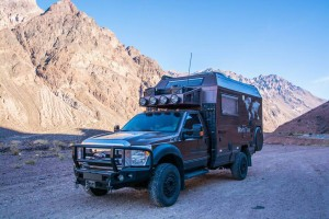 Ford-F550-Diesel-4x4-Expedition-Truck-1-SB
