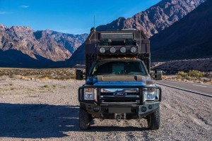 Ford-F550-Diesel-4x4-Expedition-Truck-2